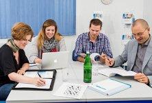 50 Studienzenten bieten Lehre und Betreuung vor Ort